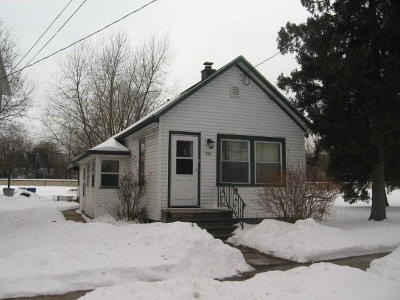 Milwaukee WI Single Family Home For Sale: $63,900