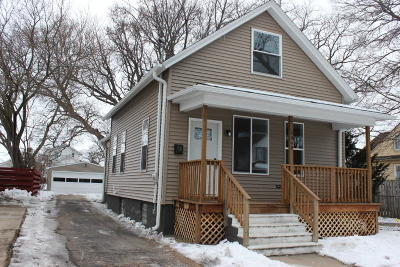 Kenosha Single Family Home Active Contingent With Offer: 4048 6th
