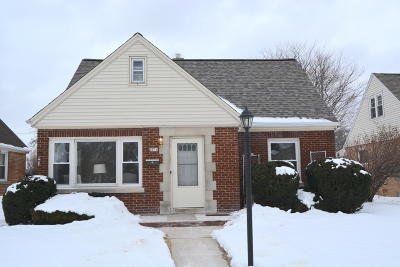 Milwaukee WI Single Family Home For Sale: $189,900