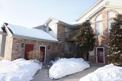 Saukville Condo/Townhouse Active Contingent With Offer: 620 Hillcrest Rd