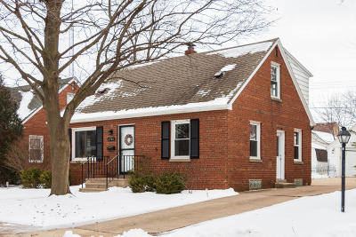 Kenosha Single Family Home Active Contingent With Offer: 6506 42nd Ave