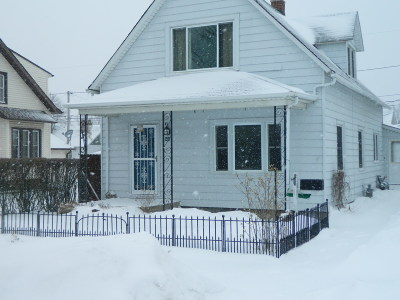 South Milwaukee WI Single Family Home For Sale: $135,000