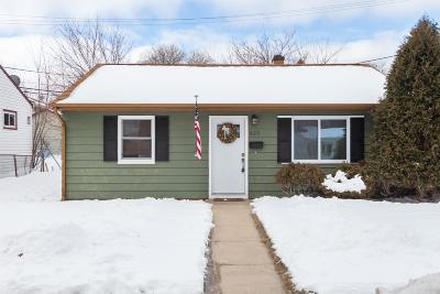 Milwaukee WI Single Family Home For Sale: $114,900