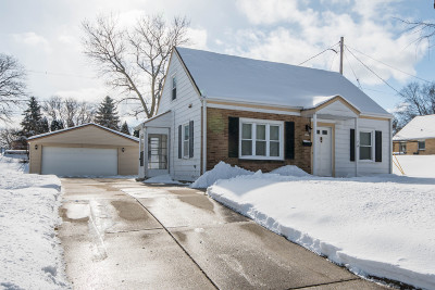 West Allis Single Family Home Active Contingent With Offer: 9025 W Harrison Ave