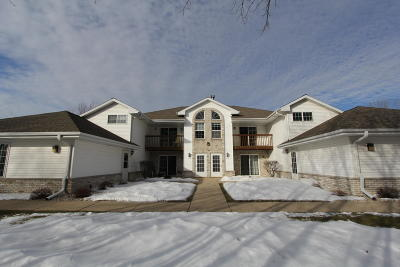 Cudahy WI Condo/Townhouse For Sale: $139,900