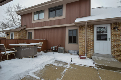 Milwaukee WI Condo/Townhouse For Sale: $114,900