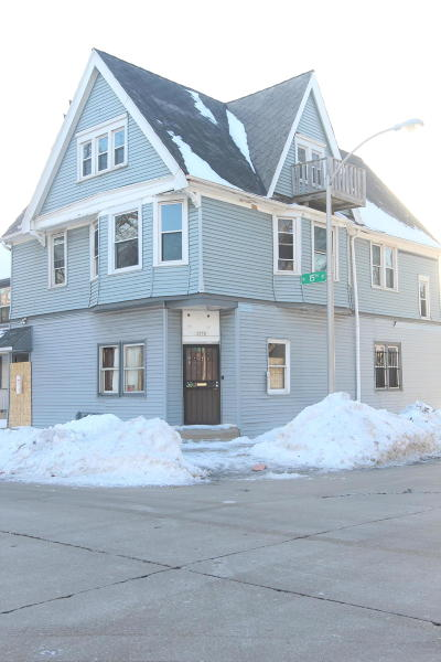 Milwaukee County Two Family Home For Sale: 2577-2579 N 15th Street
