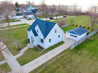 Sheboygan Single Family Home For Sale: 1407 S 7th St