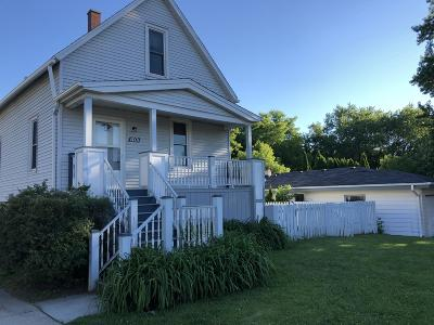 South Milwaukee Single Family Home For Sale: 1401 Manitoba Ave