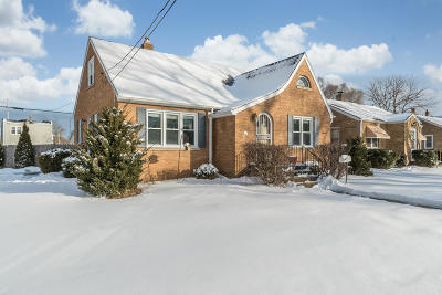 Kenosha Single Family Home Active Contingent With Offer: 4803 29th Ave