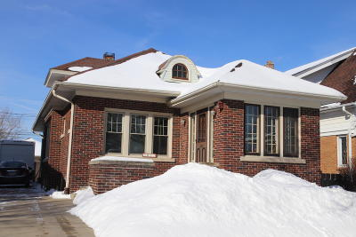 Milwaukee Single Family Home For Sale: 3037 S 44th St