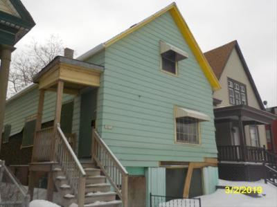 Milwaukee Single Family Home For Sale: 1921 W Center St