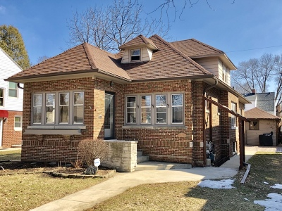 Wauwatosa Single Family Home For Sale: 2762 N 75th St