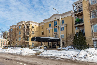 Milwaukee Condo/Townhouse Active Contingent With Offer: 1300 N Prospect Ave #410