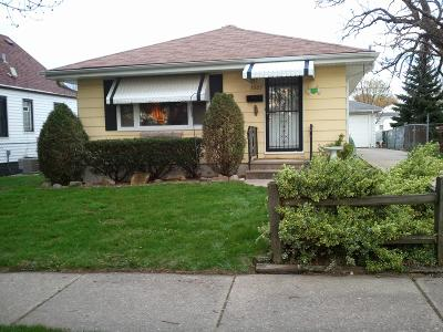 Kenosha Single Family Home For Sale: 3005 26th Ave