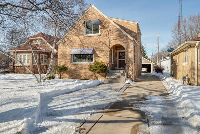 Kenosha Single Family Home For Sale: 2010 Washington Rd