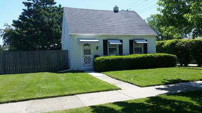 Kenosha Single Family Home For Sale: 7417 34th Ave