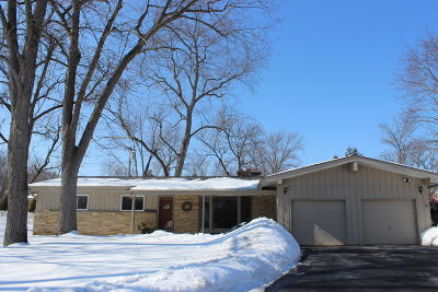 Waukesha County Single Family Home For Sale: 1285 N 124th St
