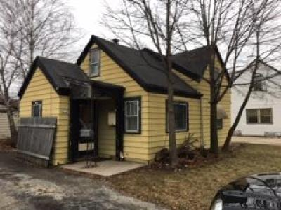 Milwaukee County Single Family Home For Sale: 2917 E Bottsford Ave