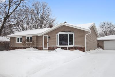 Ozaukee County Single Family Home For Sale: 211 W Juniper Dr