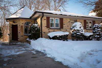 Milwaukee County Single Family Home For Sale: 4525 S Pine Ave