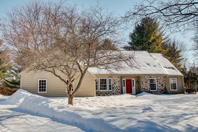 Delafield Single Family Home Active Contingent With Offer: 222 White Pine Rd