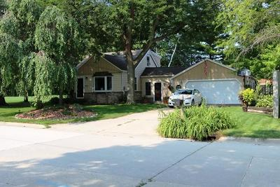 West Allis Single Family Home For Sale: 3141 S 114th St