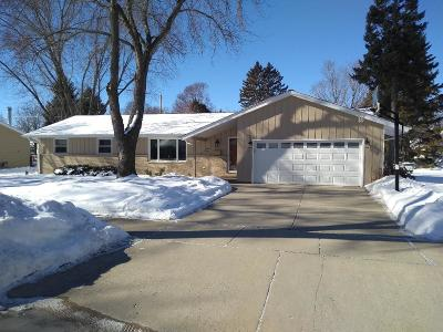Cedarburg Single Family Home Active Contingent With Offer: W65n387 Westlawn Ave