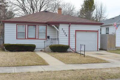 Racine Single Family Home For Sale: 2224 Carlisle Ave