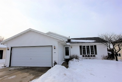 Hartford Single Family Home Active Contingent With Offer: 373 Broadmoore Dr