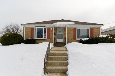 Racine Single Family Home Active Contingent With Offer: 4501 Haven Ave