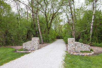 Dousman Single Family Home For Sale: W370s4885 Pine View Ln