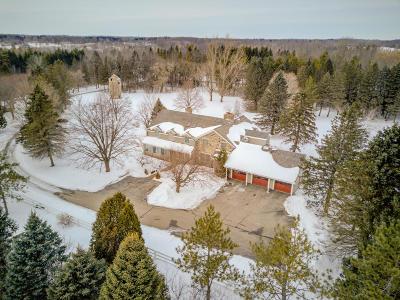 Ozaukee County Single Family Home For Sale: 10101 Cedar Creek Rd