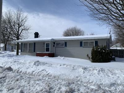 Menominee Single Family Home Active Contingent With Offer: 2001 13th St