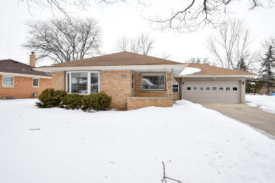 Single Family Home Active Contingent With Offer: 7904 W Bottsford Ave