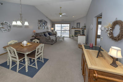 New Berlin Condo/Townhouse Active Contingent With Offer: 4513 S 124 St
