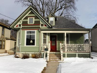 Waukesha Single Family Home Active Contingent With Offer: 715 Oakland Ave