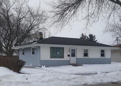 Racine Single Family Home For Sale: 2707 Lincolnwood Dr
