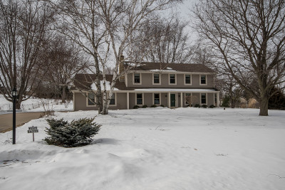 Waukesha Single Family Home Active Contingent With Offer: W225s4375 Guthrie Rd