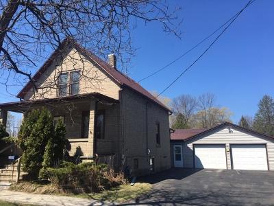 Menominee Single Family Home For Sale: 4403 10th St
