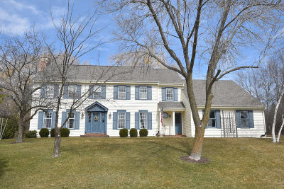 Mequon Single Family Home For Sale: 4316 W River Willows Ct