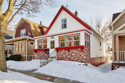 Milwaukee Single Family Home Active Contingent With Offer: 227 E Rosedale Ave