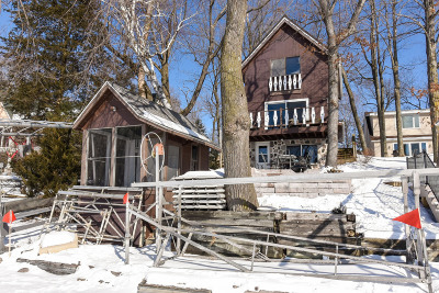 West Bend Single Family Home Active Contingent With Offer: 5835 S Hacker Dr