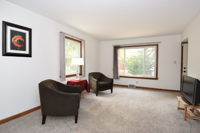Single Family Home Active Contingent With Offer: 4320 Raymir Pl
