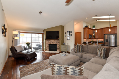 Franklin Condo/Townhouse Active Contingent With Offer: 7913 S Scepter Dr #7
