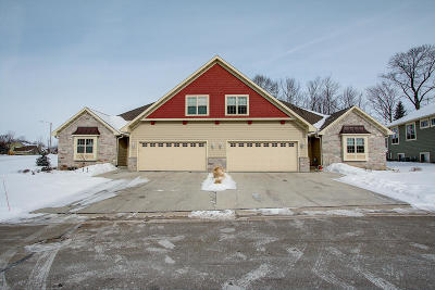 West Bend Condo/Townhouse For Sale: 840 Lorrin Pl