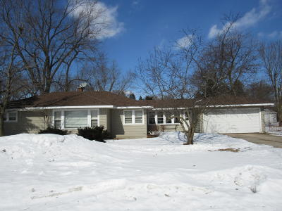Genoa City Single Family Home Active Contingent With Offer: W1326 Fairview Rd