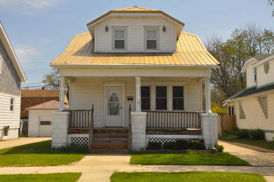 Racine Single Family Home For Sale: 2051 Carter St