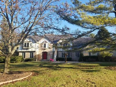 Ozaukee County Single Family Home Active Contingent With Offer: 10024 N Vintage Dr