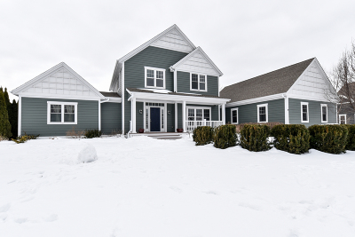 Ozaukee County Single Family Home Active Contingent With Offer: 11945 N Sandhill Cir